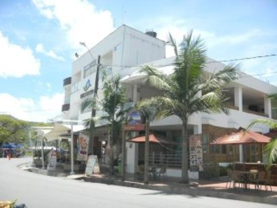 Hotel Portobelo Guatape: from the street 