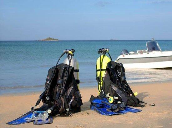 Pigeon Island Beach Resort: WATER   SPORTS