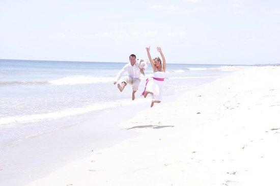 Pigeon Island Beach Resort: WEDDINGS