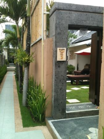 Bali Yubi Villa: view from outside
