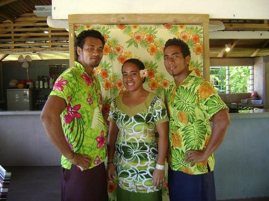 Savaii Lagoon Resort: Dining room staff Amosa, Fa'alava and June