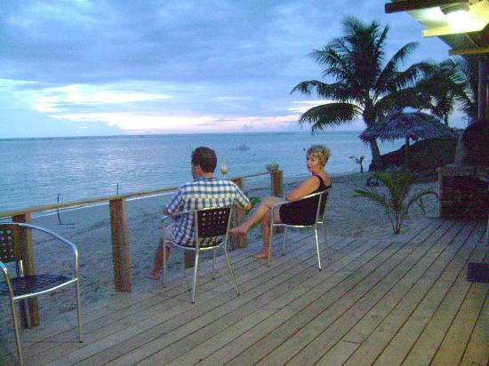 Savaii Lagoon Resort: Deck by the dining room