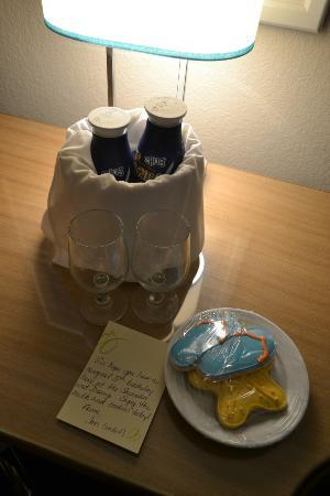 Sheraton Lake Buena Vista Resort: Milk & Cookies with a birthday note - definitely made my 5 year old smile