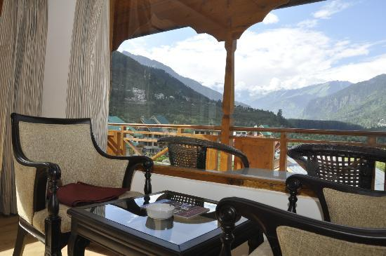 Sandhya Resort & Spa Manali: View from the room