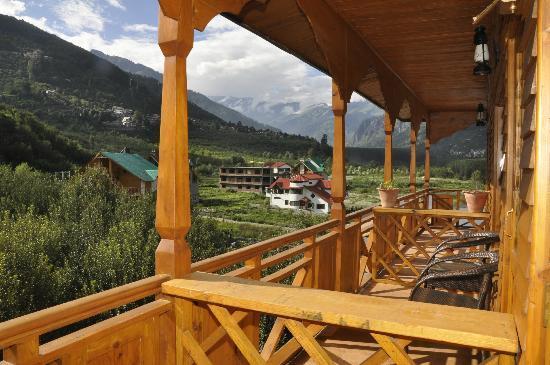 Sandhya Resort & Spa Manali: Balcony