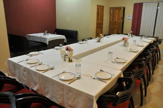 Hotel Sandhya Palace: Dining
