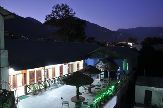 Hotel Sandhya Palace: Hotel area