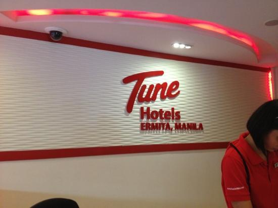 Red Planet Mabini: tune hotel logo
