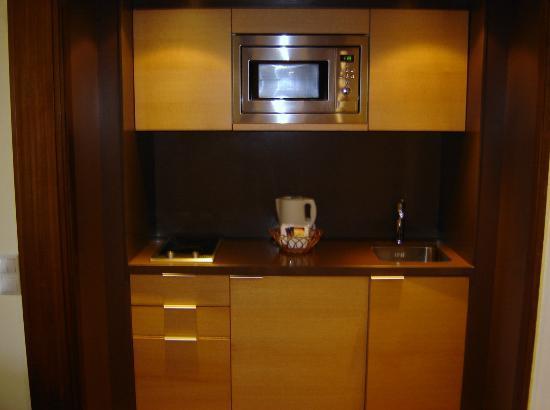 Suite Hotel Eden Mar: Kleine Kochecke