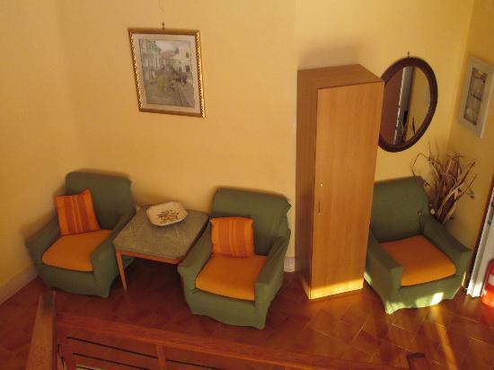 Hotel Villa Fiorita: stairway