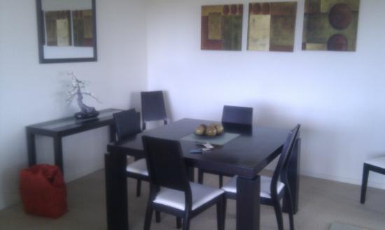 สเปซ ฮอลิเดย์ อพาร์ตเมนท์: Apt 408 Dining
