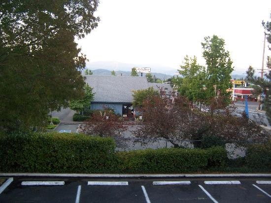 Motel 6 Grants Pass: A view from the room