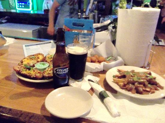 Tayton O'Brian's Irish Pub and Grille: Food and Guinness