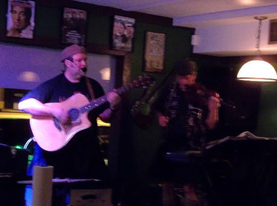 Tayton O'Brian's Irish Pub and Grille: Live Irish music