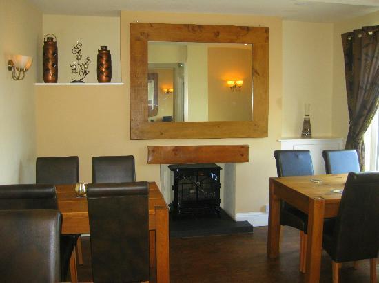 The Plough Inn Kidsgrove: Main bar fireplace