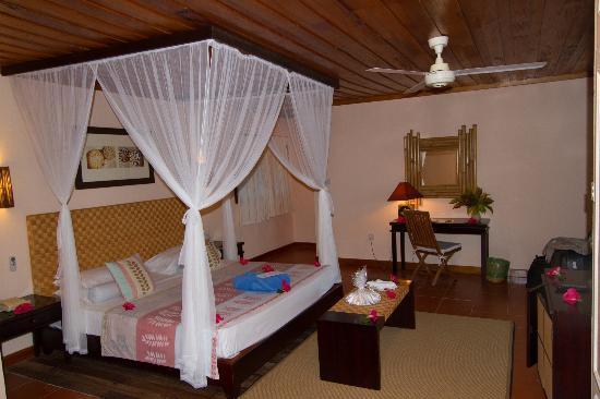 Hotel L'Archipel: Une chambre accueillante