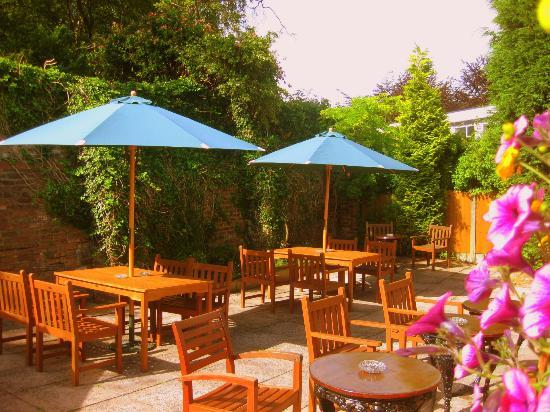 The Plough Inn Kidsgrove: Garden