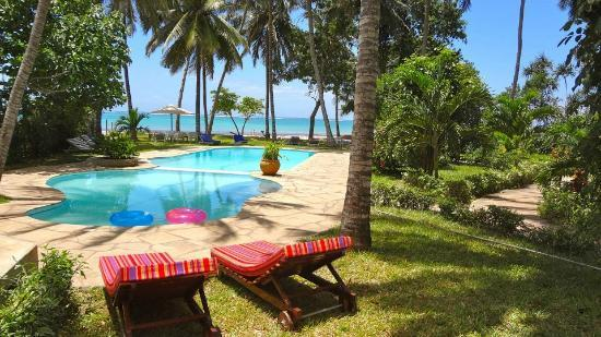 Galu Sea Lodge -Tamani: Pool view from Beach house 1 ground floor