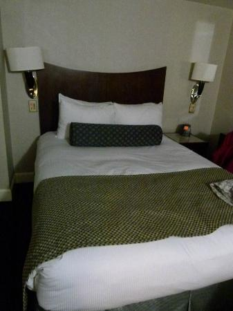 Hilton Manhattan East: habitacion
