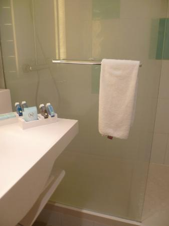 Novotel Paris Est : Salle de bain