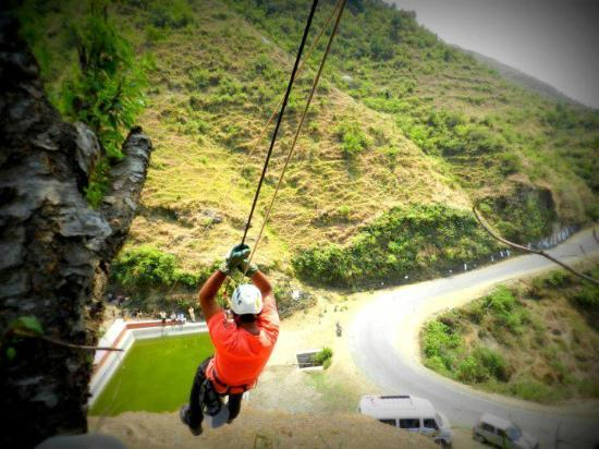 Blue Canvas Resort: trying hands at flying fox