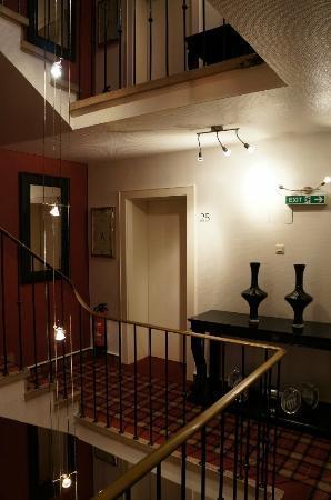 Sir & Lady Astor Hotel: Hotel Corridor