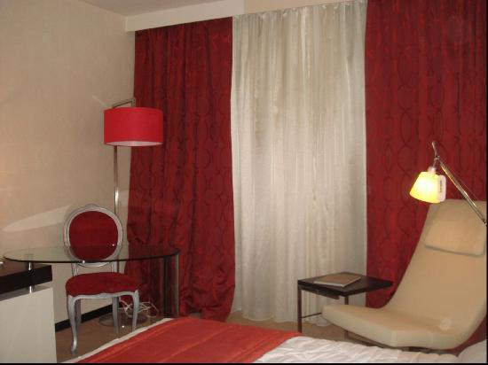 Chambre de luxe grand hotel kinshasa picture of grand for Chambre de luxe hotel