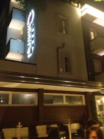 Hotel Atmosfere: Hotel da fuori