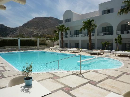 Hotel 28: Zwembad