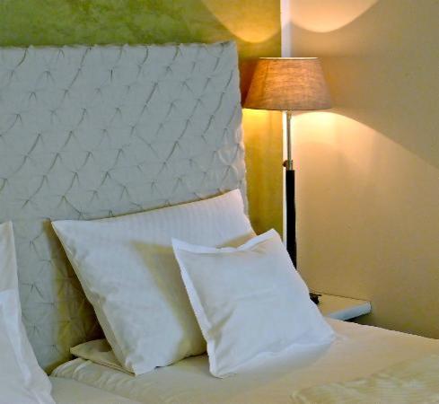 Galerie-Hotel: Zimmer A2 mit eigener Veranda