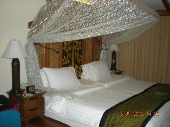 Sawasdee Village: l'immense lit