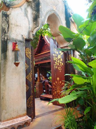 Sawasdee Village: accès au restaurant