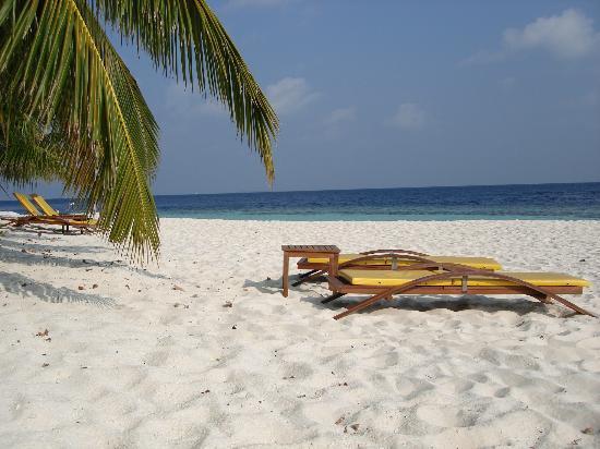 Angsana Ihuru: Beach