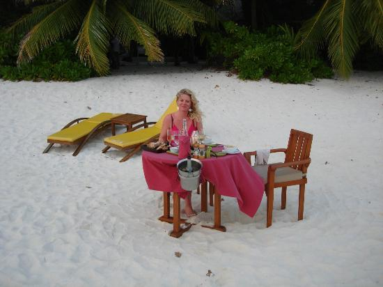 Angsana Ihuru, Maldives: Private dinner on the beach