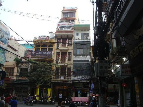 Gia Thinh Hotel: view from street