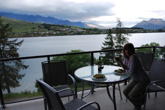 Oaks Shores: Ужин на закате