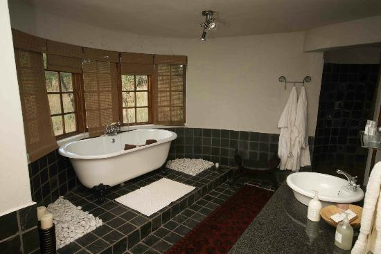 Monate Game Lodge: Bathroom