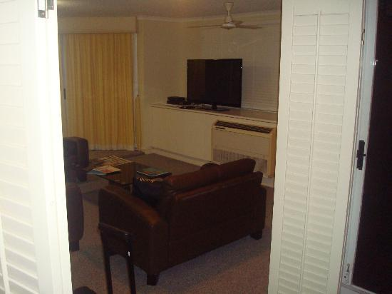 Cairns Aquarius: and this is how far it is from the master bedroom..and the beds are to the other end ..