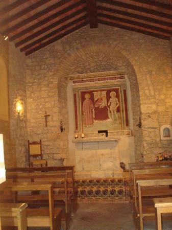 Antico Borgo San Lorenzo: Auf dem Gelände