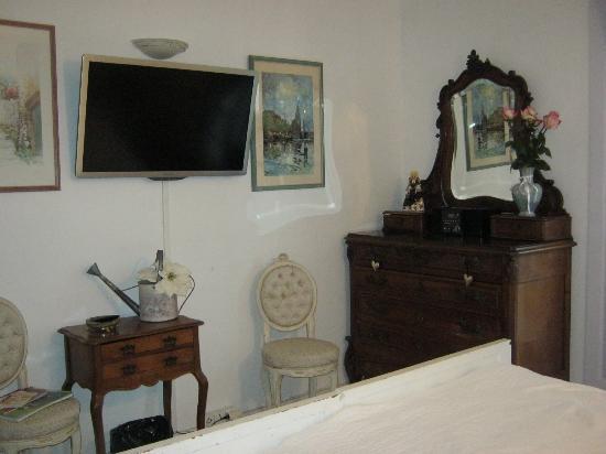 Mas des Kardouons : suite Bougainvilliers.jpg