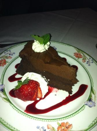 Chesterfield Inn: Chesterfield - Share some chocolate..?