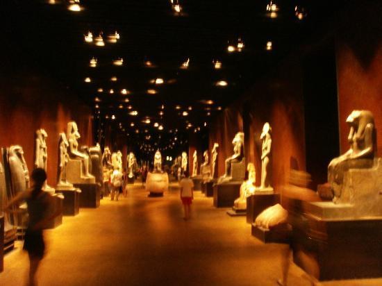 Musée égyptologique de Turin : Egyptian Museum - Huge statues room