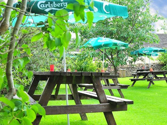 The Plough Inn at Ford: The garden