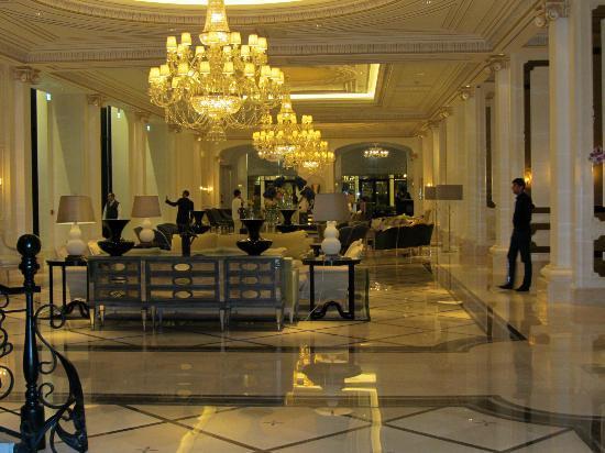 Four Seasons Hotel Baku: Lobby Four Seasons Baku