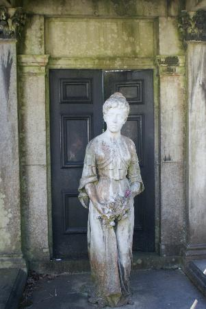 Lawnswood Cemetery: Ethel at the door