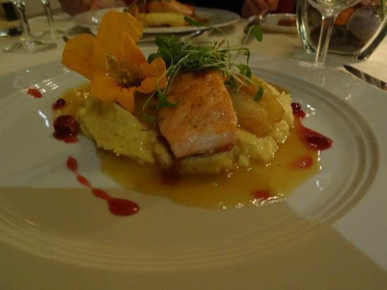 Hotel Du Lac: Chef select different main course for every day