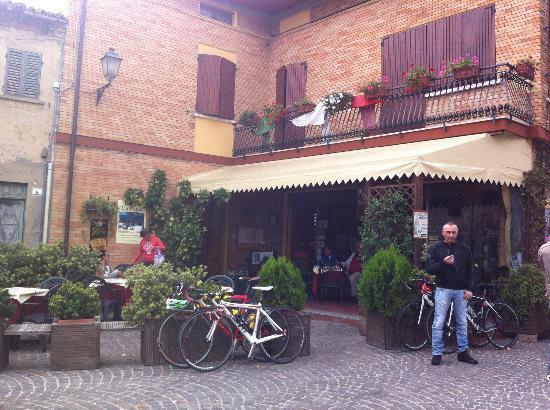 Hotel Belvedere: Village enroute