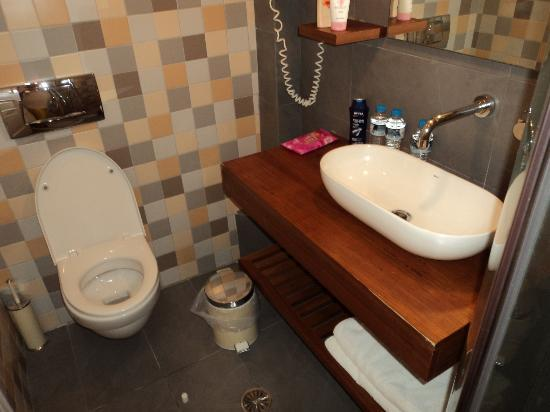 Afroditi Venus Beach Hotel & Spa: bathroom