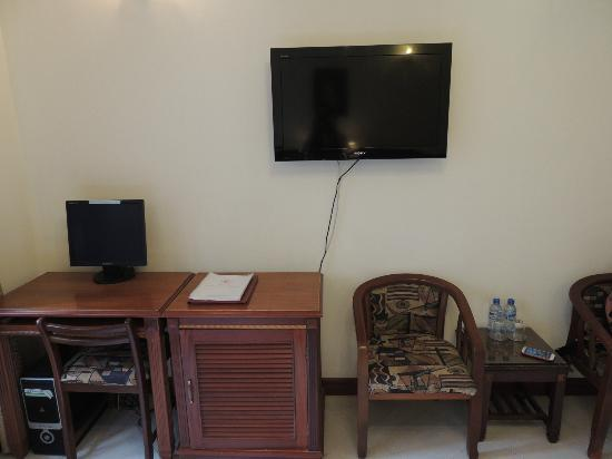 Gia Thinh Hotel: Room 203