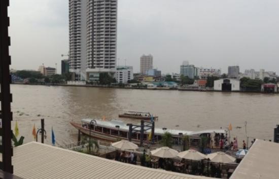 Navalai River Resort: Riviertaxi op een meter van het hotel
